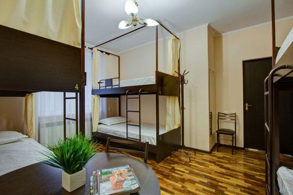 6-местный номер с двухъярусными кроватями (19 м²)